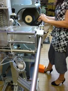 Machine d'aide au polissage chaussure